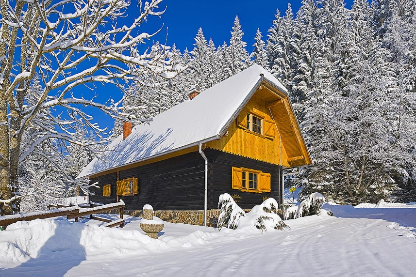 Pohorska hiša 1 pozimi