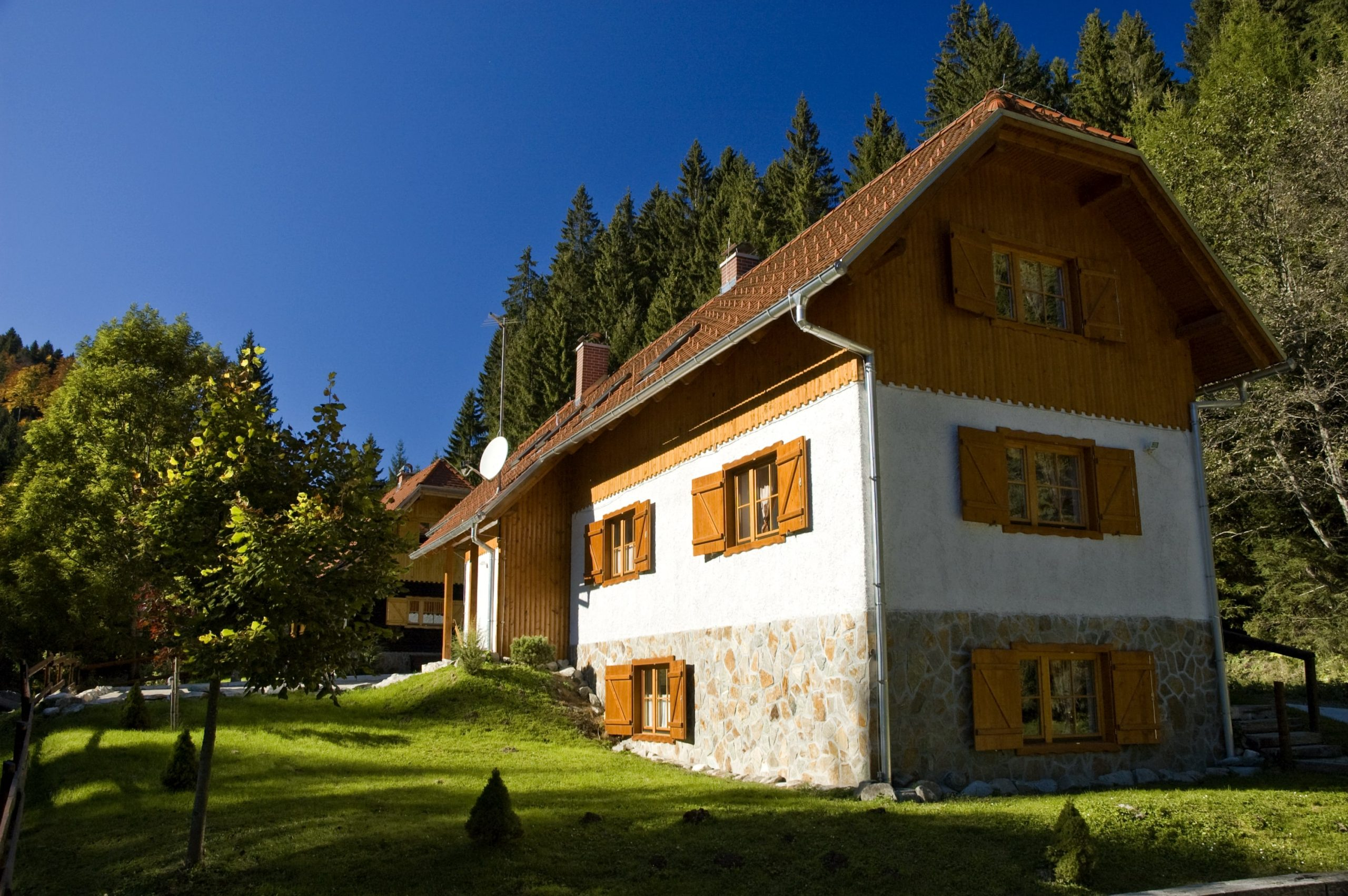 Pohorska hiša 2 pozimi